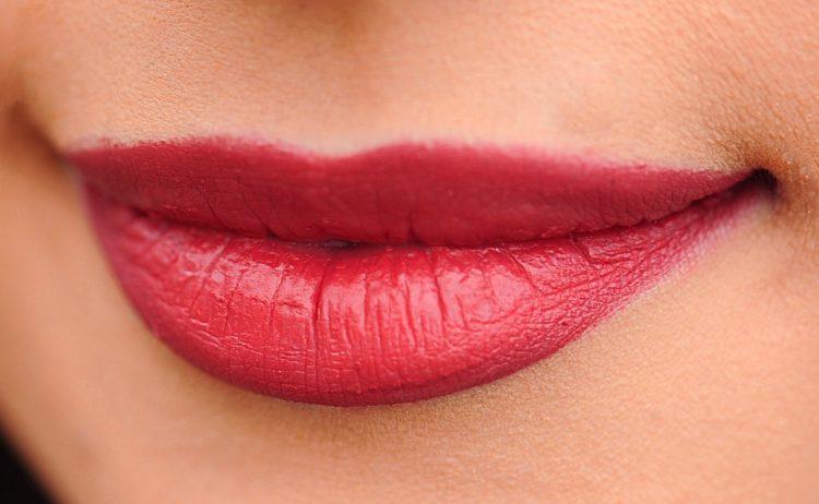 Bezpieczne modelowanie ust